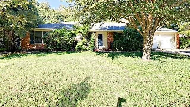 Photo 1 of 27 - 5108 S Dr, Fort Worth, TX 76132