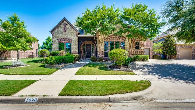 Photo 1 of 34 - 7520 Courtney Cir, Sachse, TX 75048