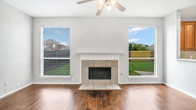 Photo 1 of 25 - 4541 Indian Rock Dr, Fort Worth, TX 76244