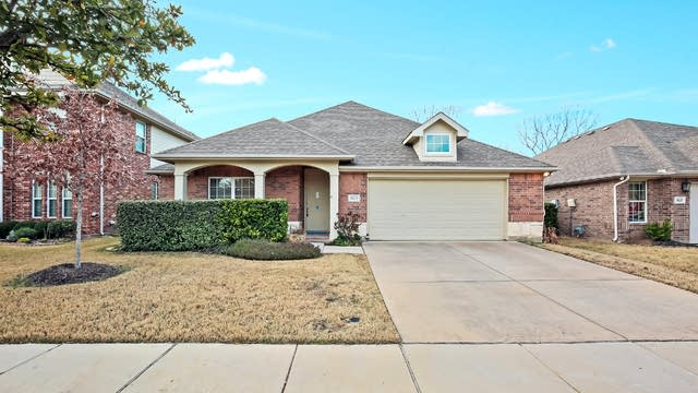 Photo 1 of 24 - 9821 McFarring Dr, Fort Worth, TX 76244