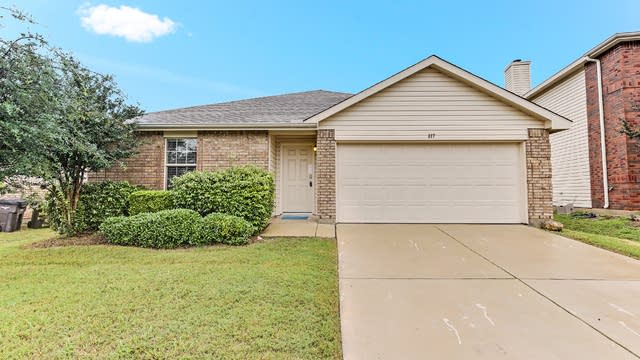 Photo 1 of 24 - 817 San Miguel Trl, Haslet, TX 76052