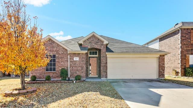 Photo 1 of 26 - 5117 Breeze Hollow Ct, Fort Worth, TX 76179