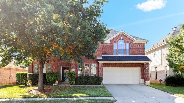 Photo 1 of 25 - 317 Fawn Meadow Dr, Fort Worth, TX 76140