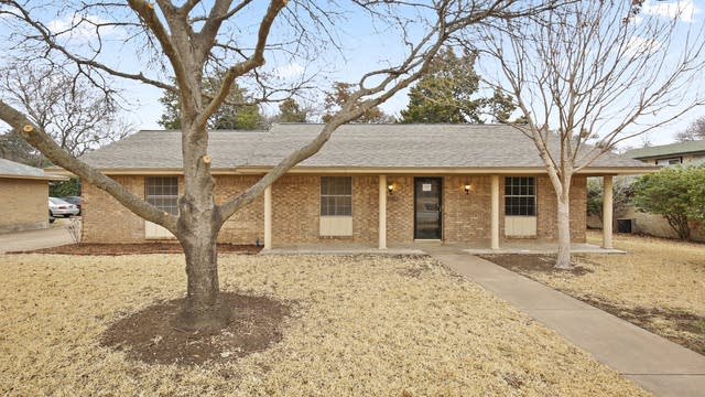 Photo 1 of 26 - 1503 Sharon Dr, Cedar Hill, TX 75104