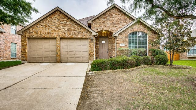 Photo 1 of 26 - 2460 Deerwood Dr, Little Elm, TX 75068