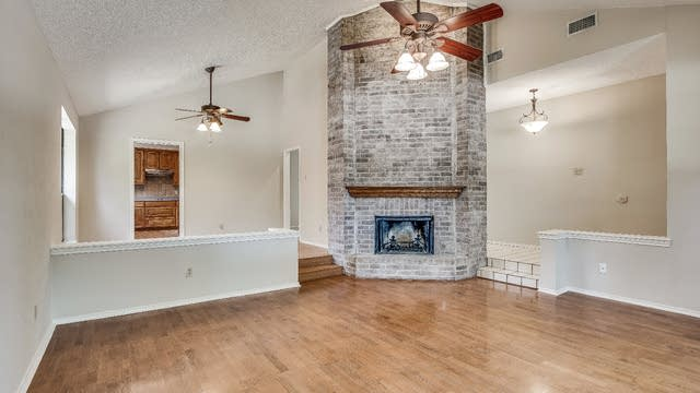 Photo 1 of 32 - 518 Cooper Ln, Coppell, TX 75019