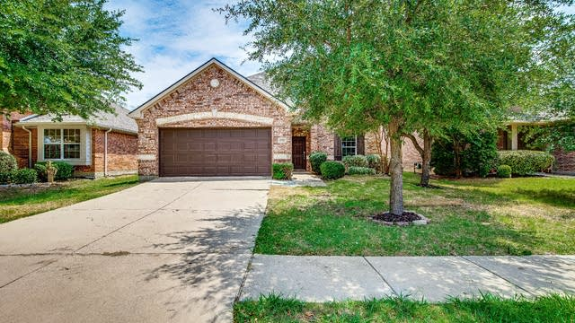 Photo 1 of 29 - 2712 Sunlight Dr, Little Elm, TX 75068