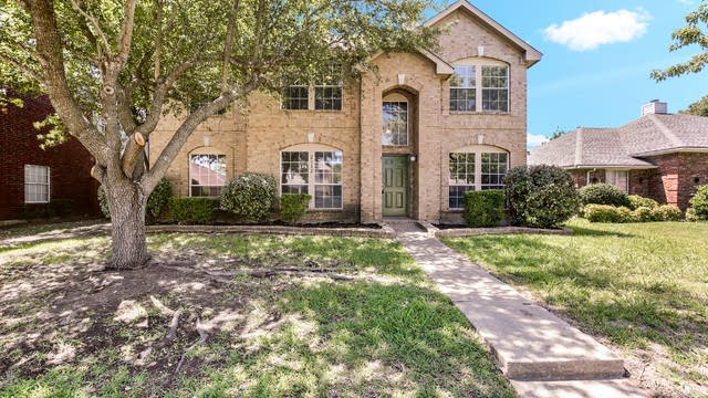 Photo 1 of 23 - 2312 Spring Mills Rd, Mesquite, TX 75181