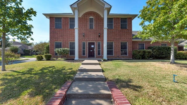 Photo 1 of 28 - 1530 Cat Mountain Trl, Keller, TX 76248