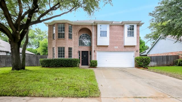 Photo 1 of 26 - 8313 Southgate Dr, North Richland Hills, TX 76182