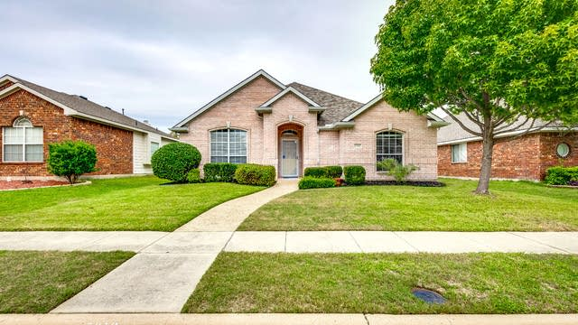 Photo 1 of 22 - 5212 Golden Wheat Ln, McKinney, TX 75070