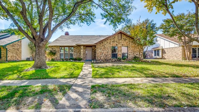 Photo 1 of 22 - 3601 Willowood Dr, Garland, TX 75040