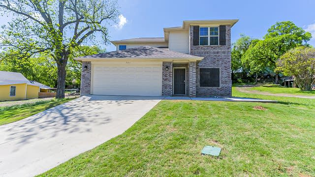 Photo 1 of 25 - 721 Cliff St, Fort Worth, TX 76164