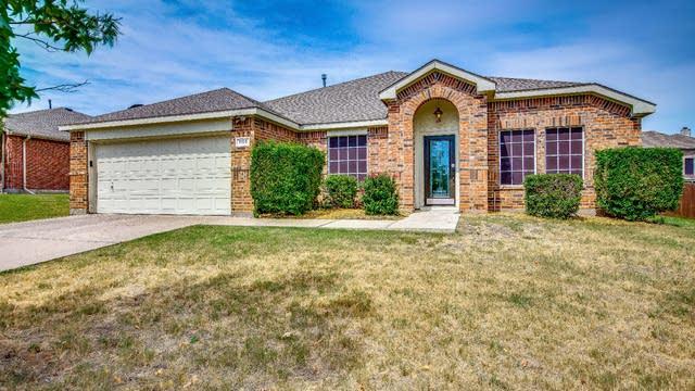 Photo 1 of 27 - 1105 Bainbridge Ln, Forney, TX 75126