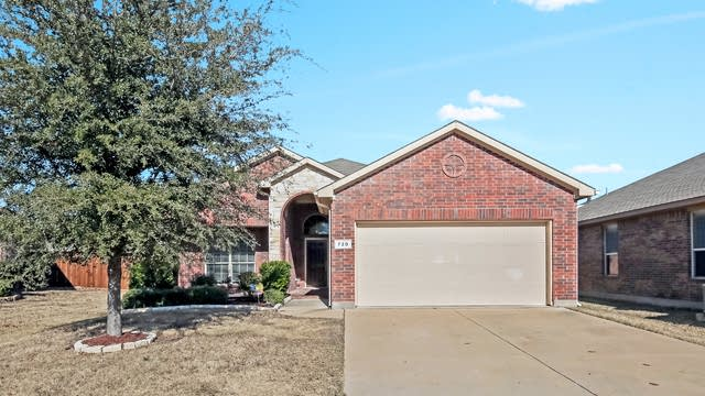 Photo 1 of 26 - 720 Middleglen Ct, Haslet, TX 76052