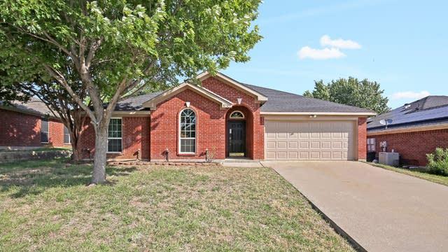 Photo 1 of 26 - 1707 Crestmeadow Ln, Mansfield, TX 76063