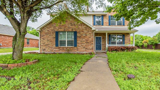 Photo 1 of 34 - 3620 Bristlecone Ct, Rockwall, TX 75032