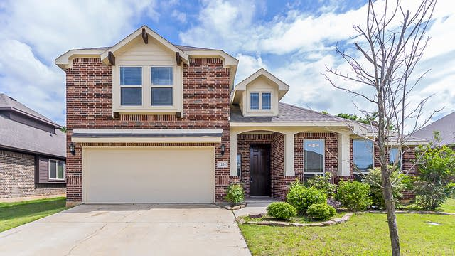 Photo 1 of 31 - 1224 Woodlawn Ave, Burleson, TX 76028