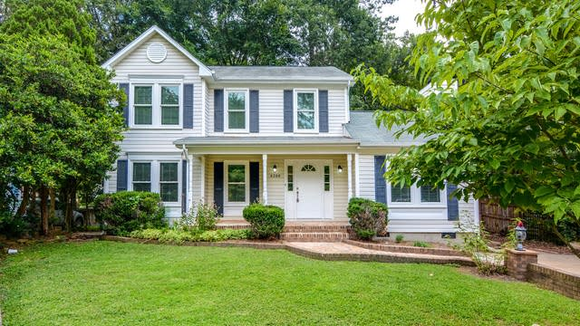 Photo 1 of 17 - 4700 Tolley Ct, Raleigh, NC 27616