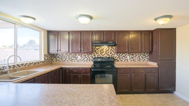 Photo 1 of 14 - 4434 W Mountain View Rd, Glendale, AZ 85302