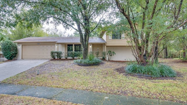 Photo 1 of 22 - 9703 Woodland Ridge Dr, Temple Terrace, FL 33637
