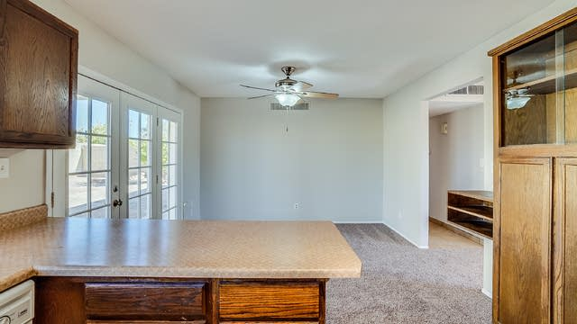 Photo 1 of 14 - 3708 W Hearn Rd, Phoenix, AZ 85053