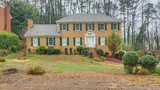 Photo 1 of 20 - 74 Shadow Lake Dr SW, Lilburn, GA 30047