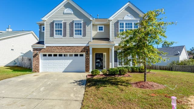 Photo 1 of 18 - 1510 Roaring Rapids Rd, Raleigh, NC 27610