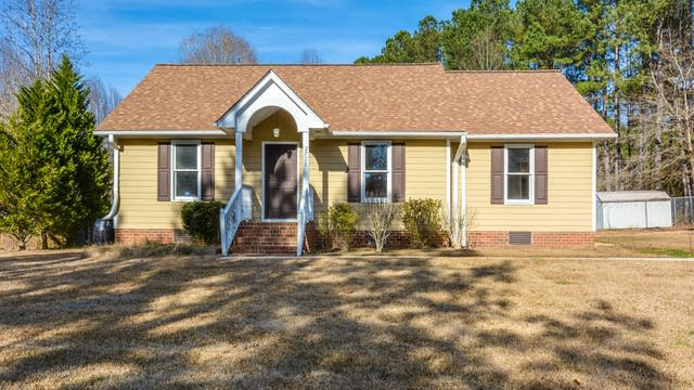 Photo 1 of 13 - 2728 Stageline Dr, Raleigh, NC 27603