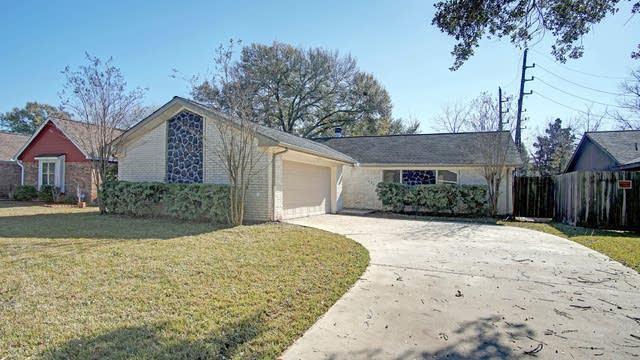 Photo 1 of 17 - 14203 Greenway Dr, Sugar Land, TX 77498