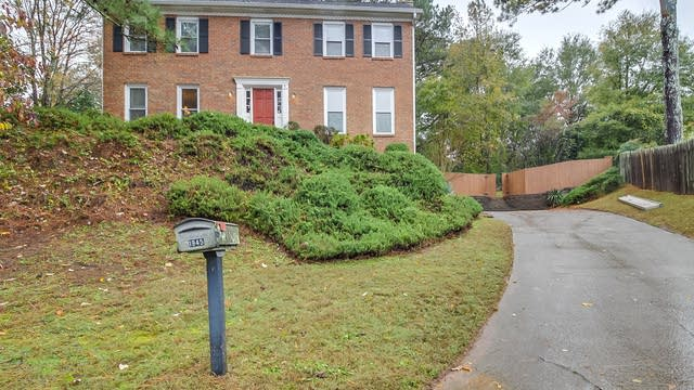 Photo 1 of 24 - 1945 Regents Way, Marietta, GA 30062
