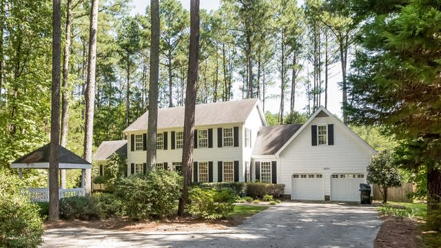 Photo 1 of 25 - 6805 Knotty Pine Dr, Chapel Hill, NC 27517