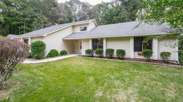 Photo 1 of 20 - 309 Sandown Dr, Peachtree City, GA 30269