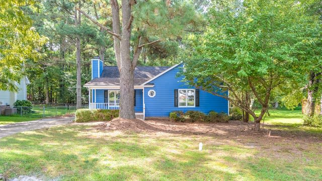 Photo 1 of 10 - 2705 Thurrock Dr, Apex, NC 27539