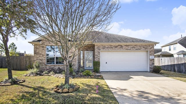 Photo 1 of 17 - 3208 Melody Peak Ln, Pearland, TX 77581