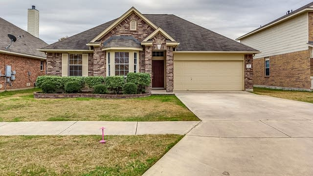 Photo 1 of 18 - 221 Lakota Ct, Cibolo, TX 78108