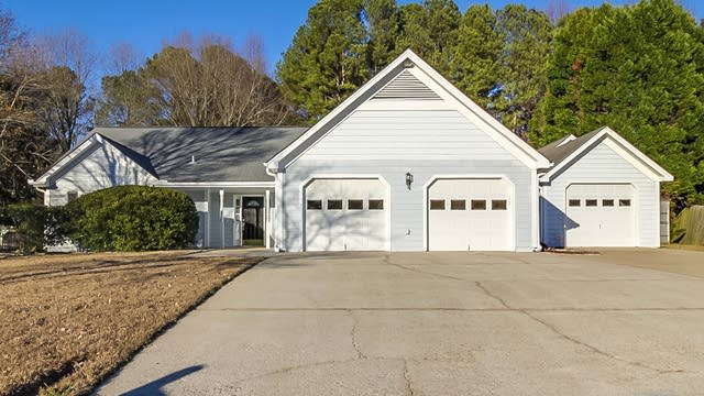 Photo 1 of 18 - 2111 Muscovy Ct, Lawrenceville, GA 30044