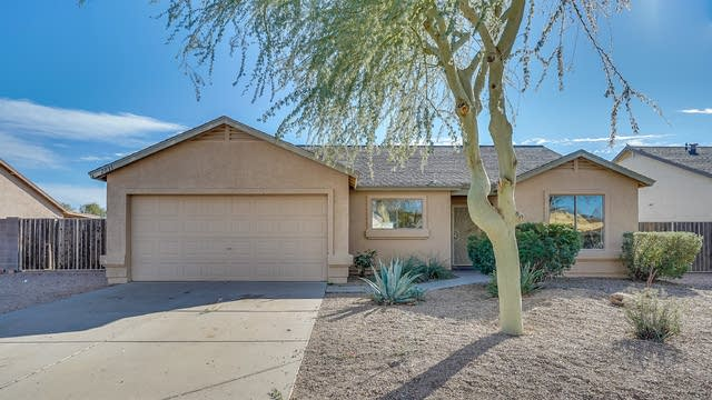 Photo 1 of 26 - 2833 W Hidalgo St, Apache Junction, AZ 85120