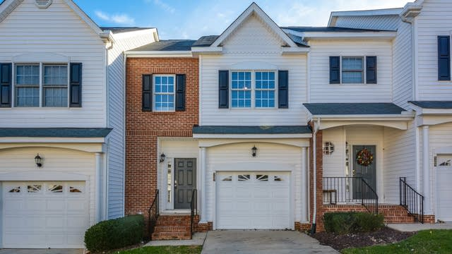 Photo 1 of 12 - 5407 Goldenglow Way, Raleigh, NC 27606