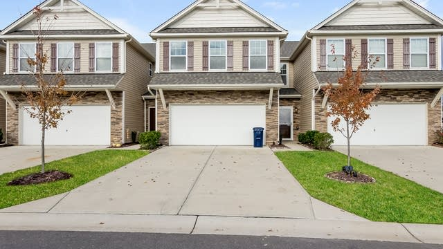 Photo 1 of 25 - 923 Summerlake Dr, Fort Mill, SC 29715