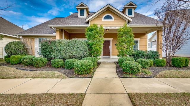 Photo 1 of 24 - 1226 Long Leaf Dr, Savannah, TX 76227