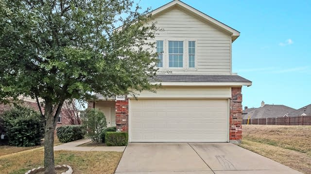 Photo 1 of 25 - 11900 Brown Fox Dr, Fort Worth, TX 76244