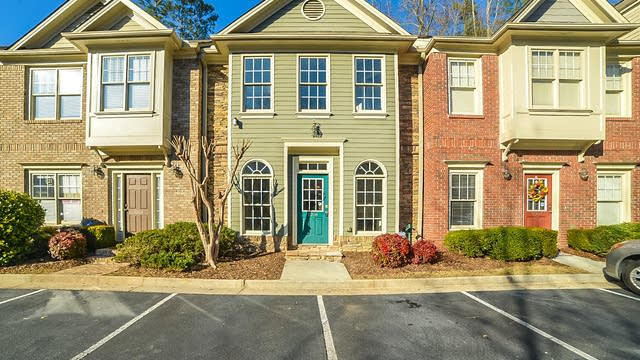 Photo 1 of 14 - 1266 Harris Commons Pl, Roswell, GA 30009
