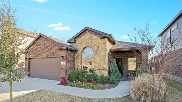 Photo 1 of 26 - 6928 Cloudcroft Ln, Fort Worth, TX 76131