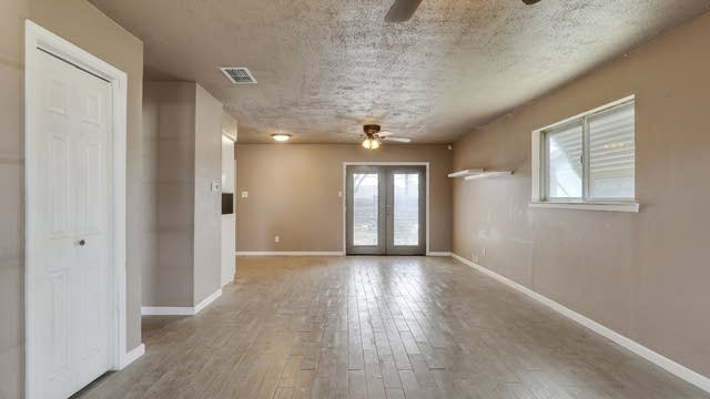 Photo 1 of 24 - 1778 Continental Dr, Blue Mound, TX 76131