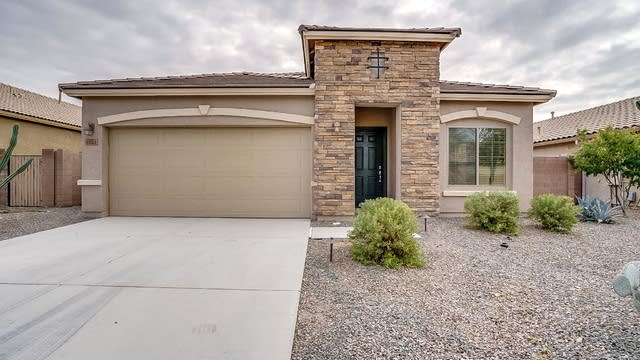 Photo 1 of 20 - 1067 W Stephanie Ln, San Tan Valley, AZ 85143
