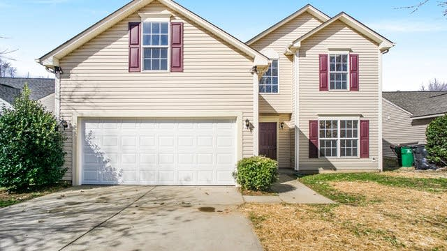 Photo 1 of 14 - 14131 Riding Hill Ave, Charlotte, NC 28213