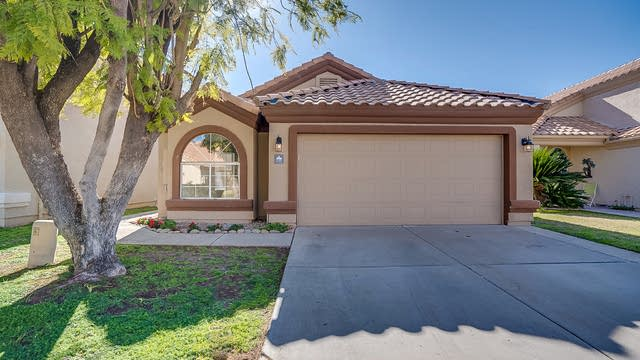 Photo 1 of 18 - 1353 W Clear Spring Dr, Gilbert, AZ 85233