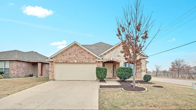 Photo 1 of 26 - 5057 Caraway Dr, Fort Worth, TX 76179