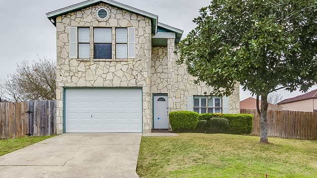 Photo 1 of 19 - 6703 Cape Meadow Dr, Converse, TX 78109